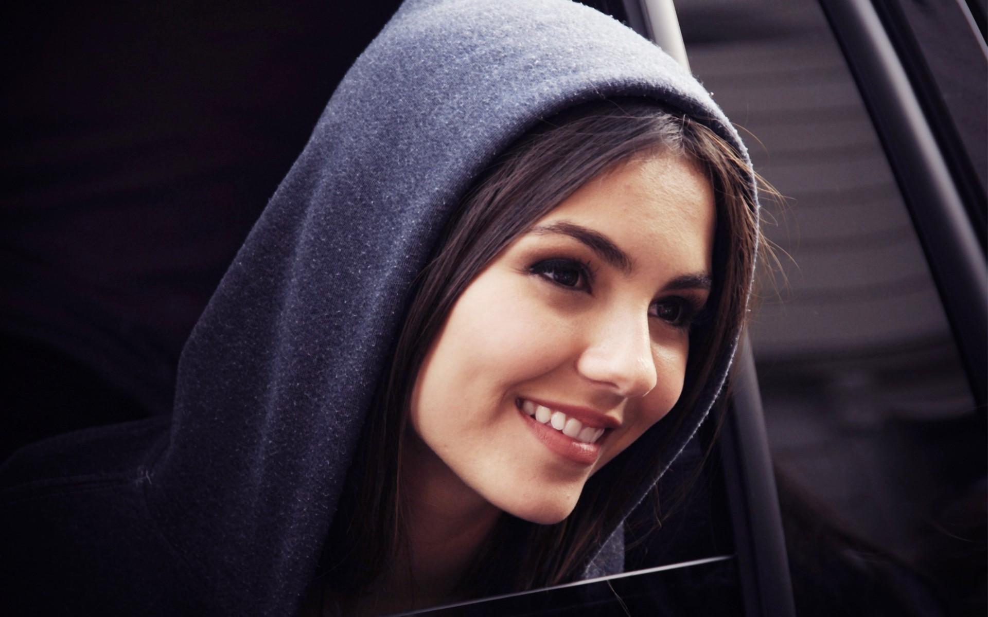 amazing victoria justice beautiful smile face hd free download mobile background picures