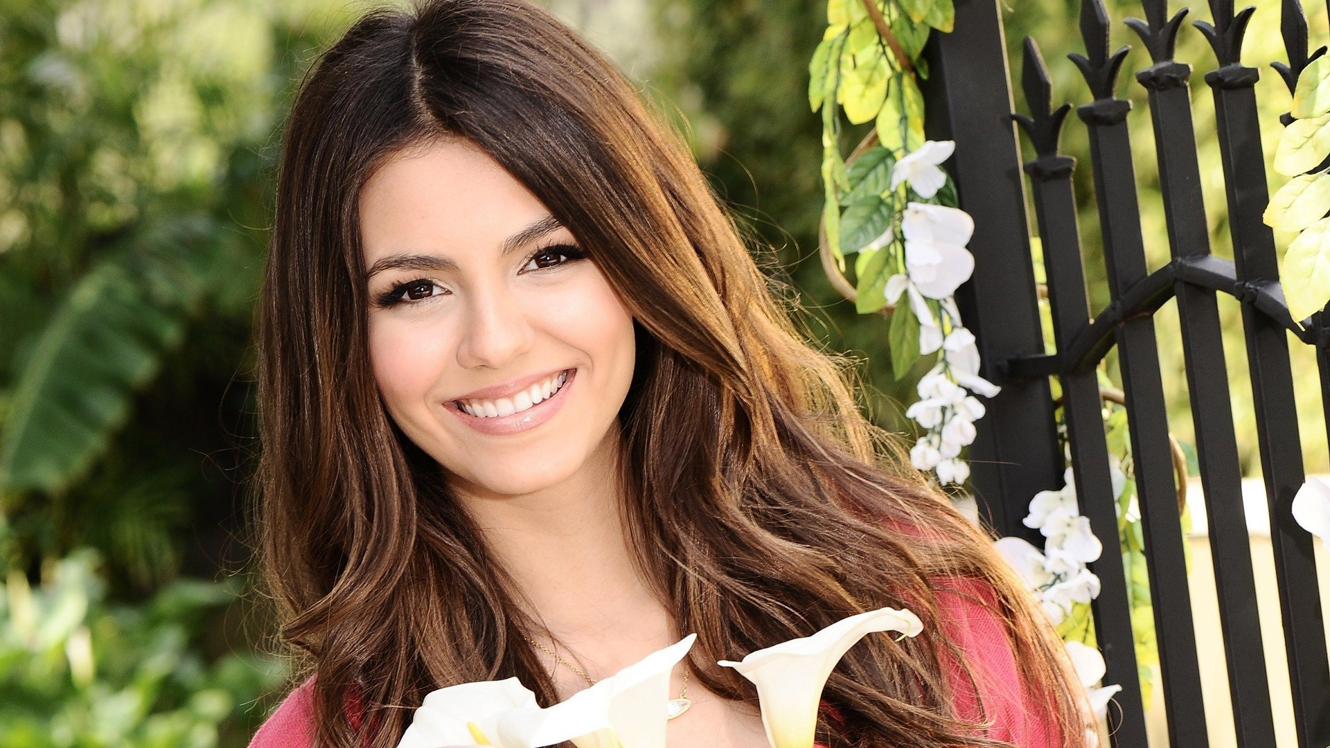 amazing victoria justice lovely smile face with tree background mobile free hd desktop wallpaper