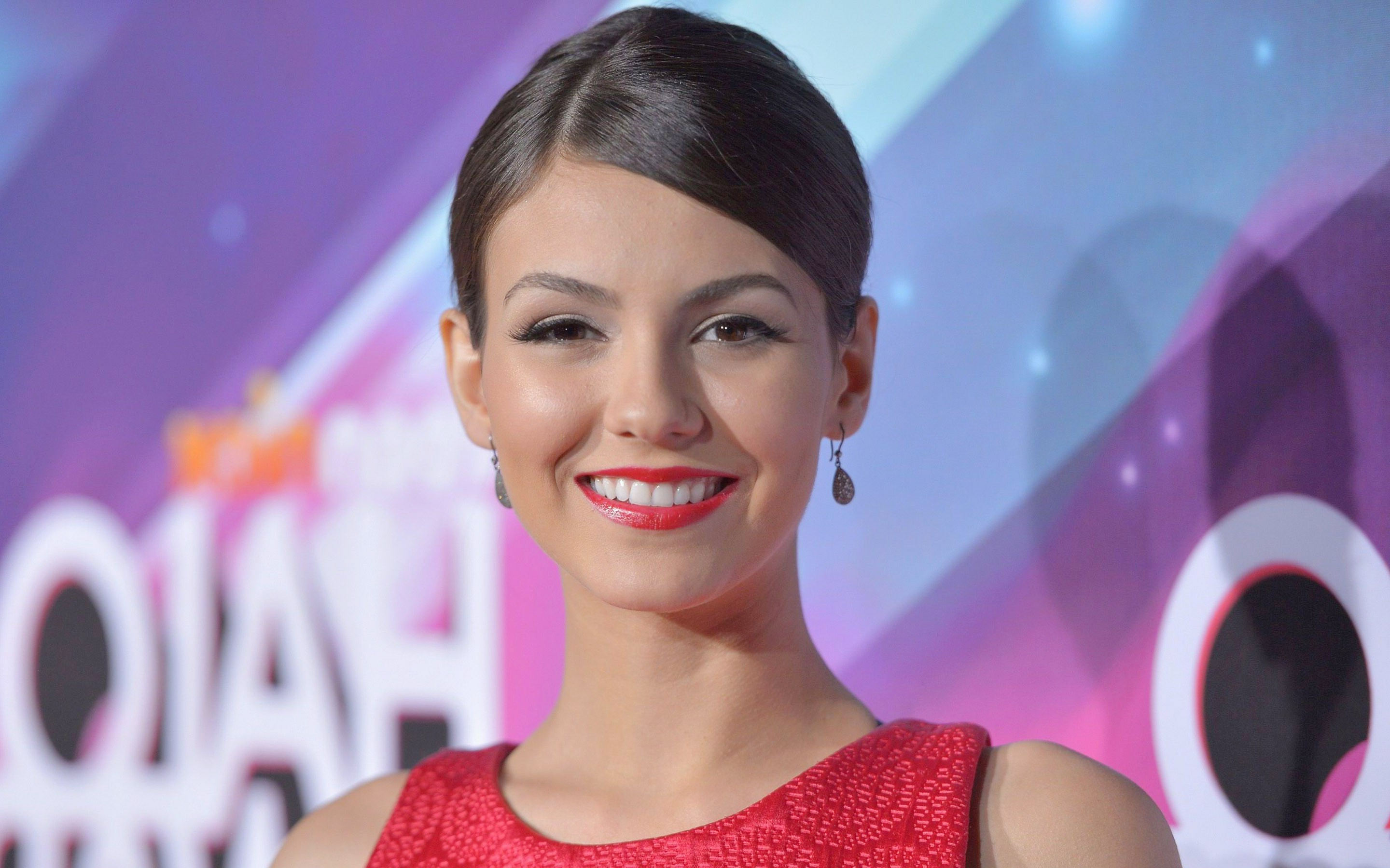 Amazing Victoria Justice Wonderful Smile Face Still Download Laptop Background Free Wallpaper Hd