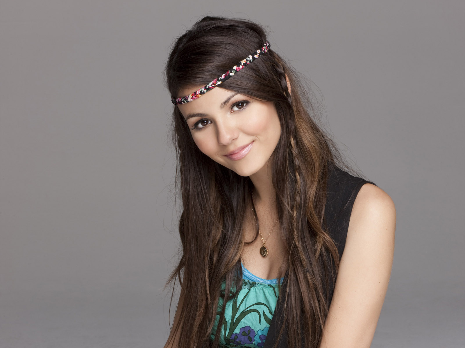 Beautiful Victoria Justice Pics Hd Wallpaper