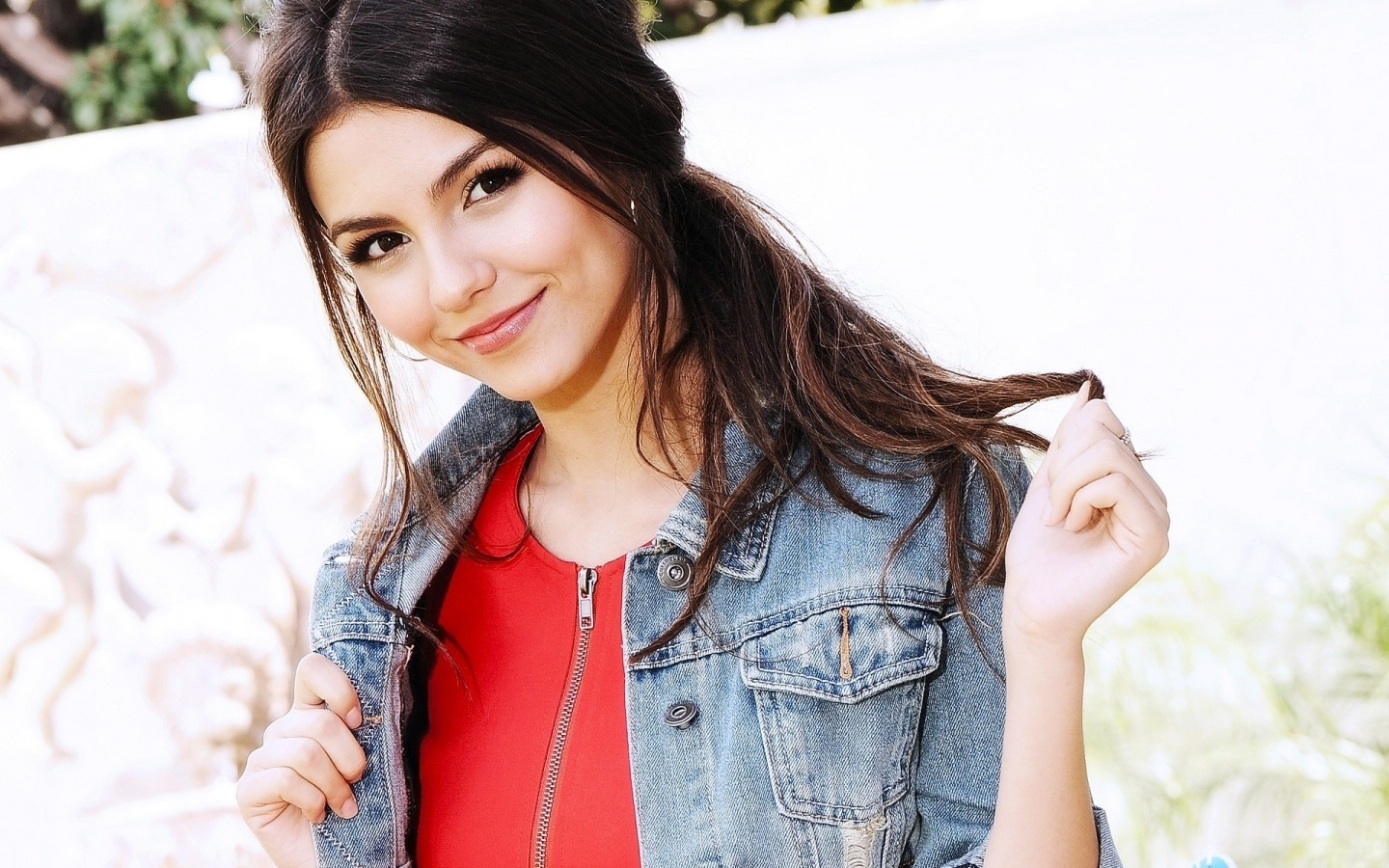 lovely victoria justice beauty style look mobile download background free hd photos