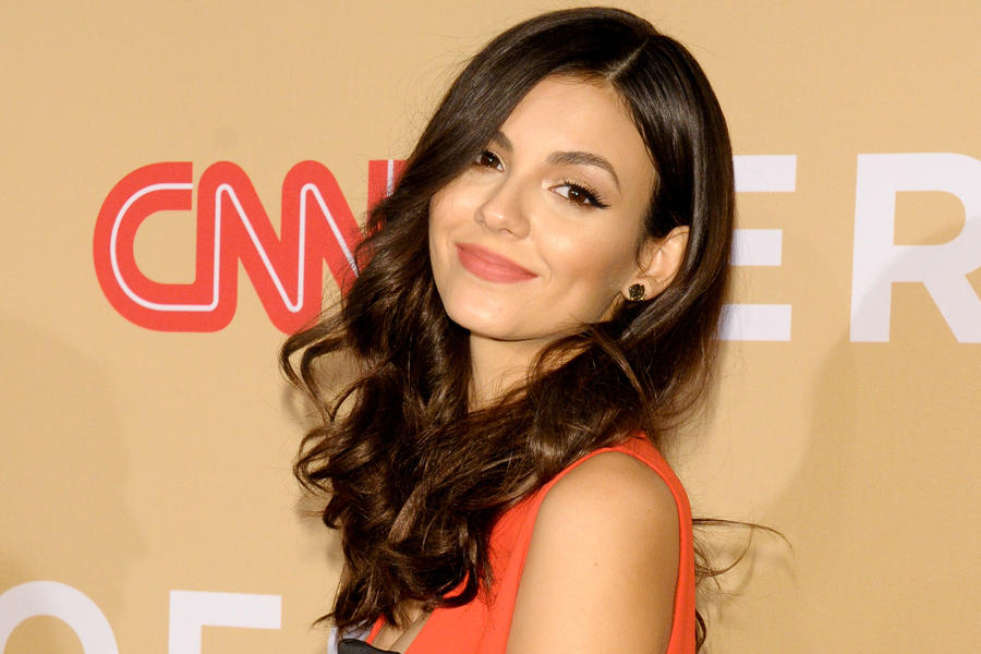 wonderful victoria justice nice look mobile desktop hd background free photo