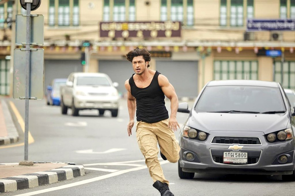 amazing vidyut jamwal running style background mobile desktop hd pictures free